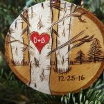 Wood slice ornament for wedding guests