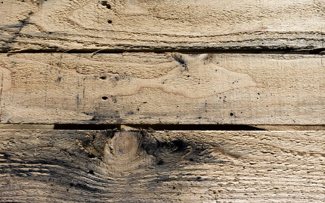 Things you should know before purchasing reclaimed wood decor for your home